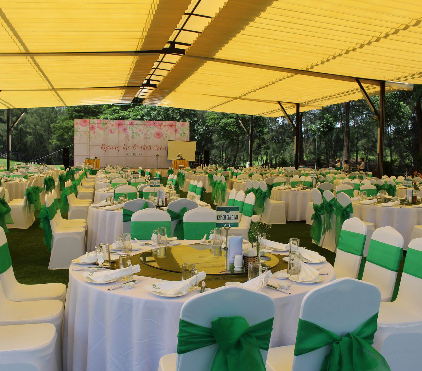 EVENTS & OUTDOOR FUNCTION LAWN